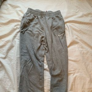LIKE NEW NIKE grey sweatpants